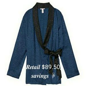 🚨VSX Animal Print Satin Robe